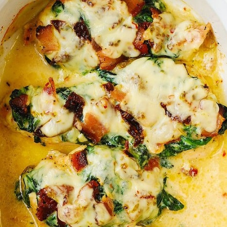 Sun-Dried Tomato, Spinach, and Bacon Chicken Bake