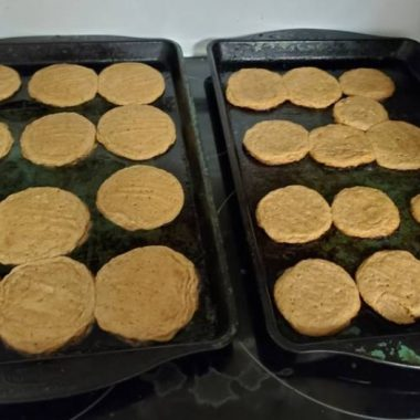 Yummy 4 Ingredient Peanut Butter Cookies