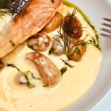 Pan seared wild Salmon with roasted potato and béarnaise sauce