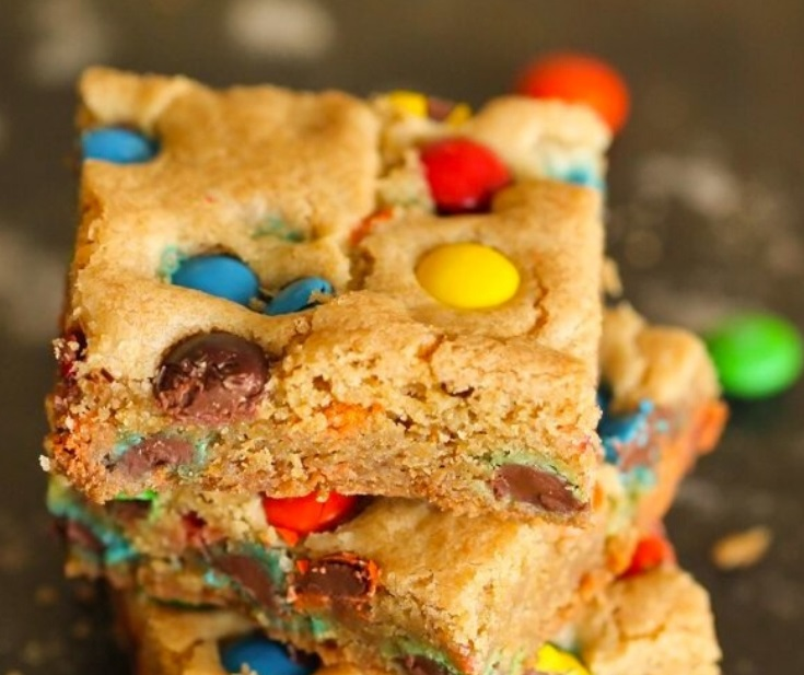 Easy Thick and Chewy M & M Blondies Recipe